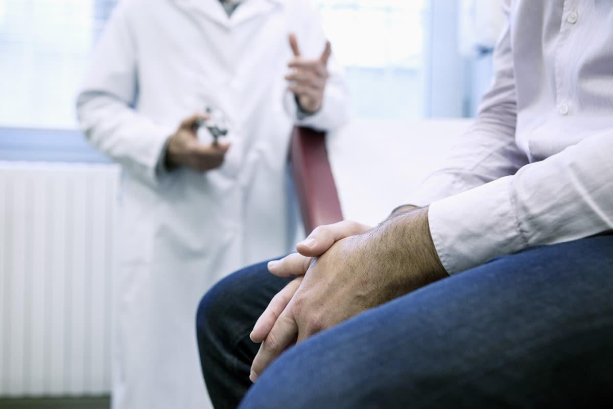 Désir de grossesse après vasectomie : vasovasostomie ou procréation médicalement assistée?