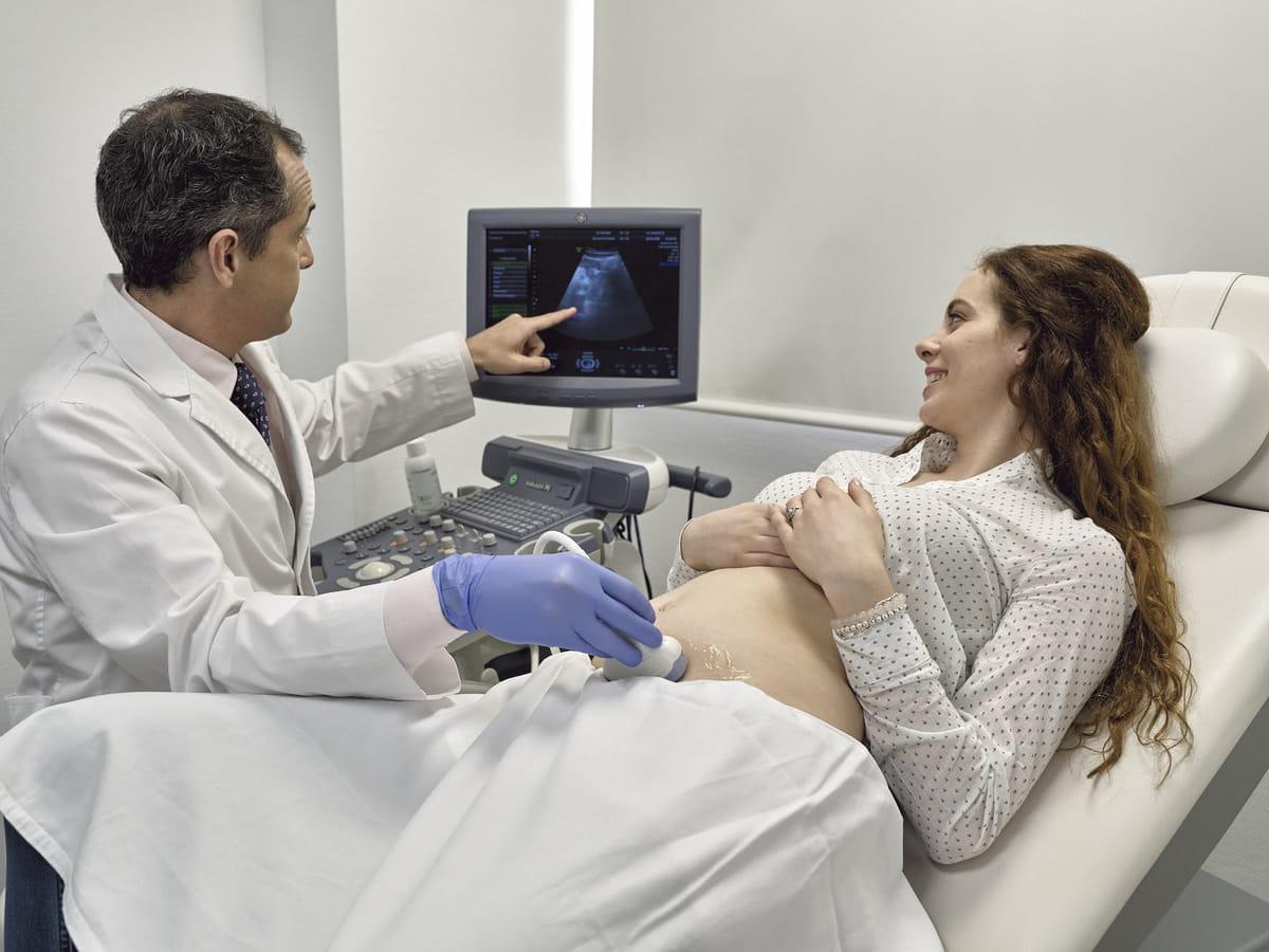 Exploration gynécologique et échographie